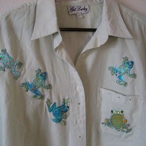 Cute Embroidered frogs shirt L